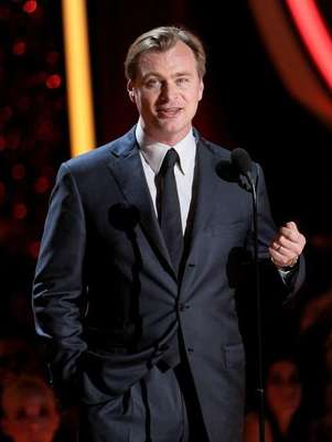 El director Christopher Nolan da su discurso en los MTV Movie Awards Foto: Getty Images