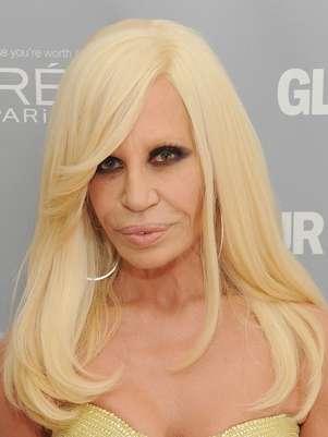 Donatella Versace fez graça ao contar um dos seus segredos de beleza Foto: Getty Images
