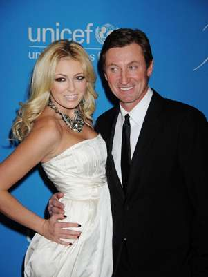 Wayne Gretzky poses with daughter Paulina at an event for UNICEF. Foto: Getty Images