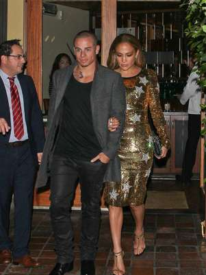 JLo. y Casper Smart. Foto: Bangshowbiz