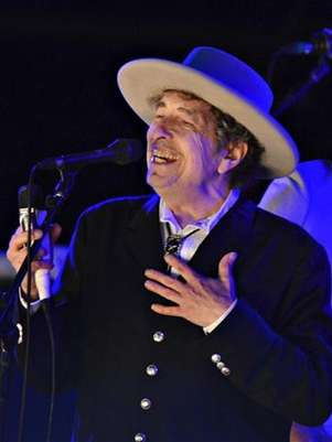 U.S. musician Bob Dylan performs during on day 2 of The Hop Festival in Paddock Wood, Kent on June 30th 2012. Foto:  Ki Price (BRITAIN / Reuters In English