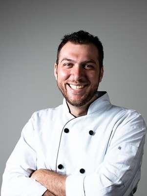 """O brasileiro Felipe Faccioli disputa o posto de chef """"mais quente"""" de Toronto Foto: Reprodução"""