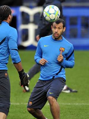 Mascherano warms up for the season with a new contract.