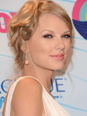 Taylor Swift mantiene relacin con Connor Kennedy, cuatro aos menor que ella. Foto: Agencias