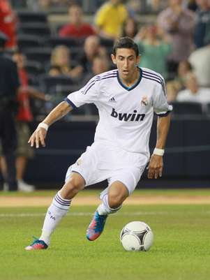 Ángel Di María conduce el esférico en un partido de pretemporada del Real Madrid. Foto: Getty Images