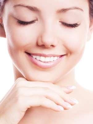 Receita feita em casa com mamão e mel promete eliminar manchas causadas por distúrbios hormonais, exposição solar e acne Foto: Shutterstock