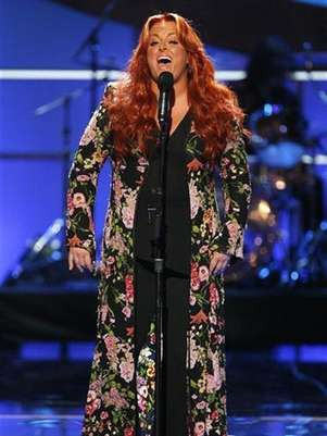 Singer Wynonna Judd performs during the taping of the 2008 &quot;NCLR Alma&quot; awards at the Civic Auditorium in Pasadena, California, August 17, 2008. Foto: Mario Anzuoni / Reuters In English