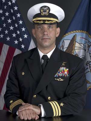 Commander Job Price, 42, of Pottstown, Pennsylvania, shown in this Naval Special Warfare Group TWO handout photograph, died of a non-combat related injury in central Afghanistan's Uruzgan Province, the Pentagon said in a statement. A senior member of the U.S. Navy's elite SEAL unit has died in Afghanistan, the Defense Department said on December 23, 2012, and media reports said the death was a possible suicide. Foto: U / Reuters