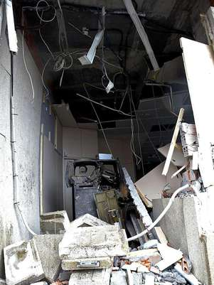Potente explosión destroza parcialmente sucursal bancaria en Galiza 634985181634952464w