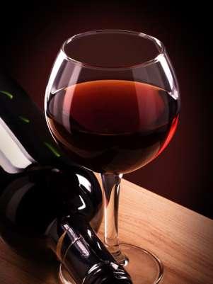 Los vinos deben servirse a una temperatura adecuada o pierden algunas de sus propiedades esenciales. Foto: Thinkstock.com