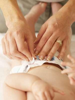 Varias madres coinciden en que lograr una muestra de orina de un bebé puede ser un dolor de cabeza Foto: Thinkstock
