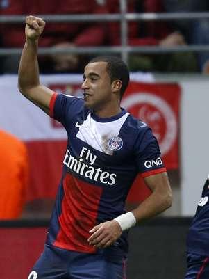 Lucas tabelou com Ibrahimovic e fez gol Foto: Reuters