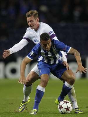 Danilo falhou feio em gol dos visitantes, e Porto deu vexame ao ficar no empate por 1 a 1 com o Áustria Viena em Portugal Foto: Reuters