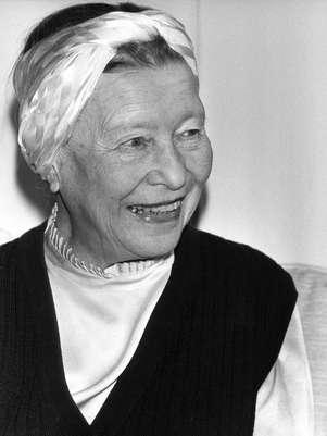 Escritora Simone de Beauvoir, em foto de 22 de abril de 1983, em Paris Foto: AFP