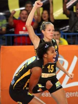 Monique foi a maior pontuadora do jogo Foto: Alexandre Arruda/CBV / Divulgação