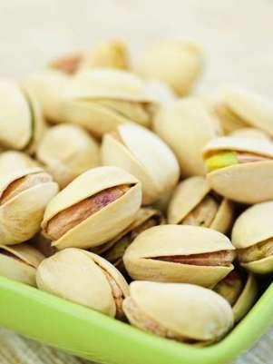 Além de servir como um gostoso petico, o pistache é um importante fornecedor de vitamina B6, tiamina, fósforo, potássio, proteínas e fibras Foto: Getty Images