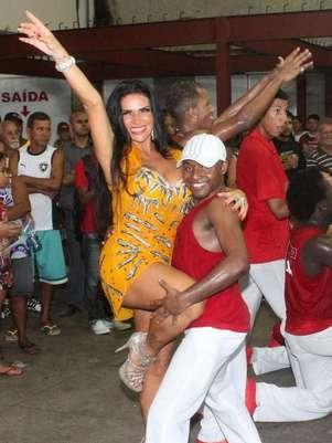 Solange Gomes aproveitou a noite de quarta-feira (16) Foto: Rodrigo dos Anjos / AgNews