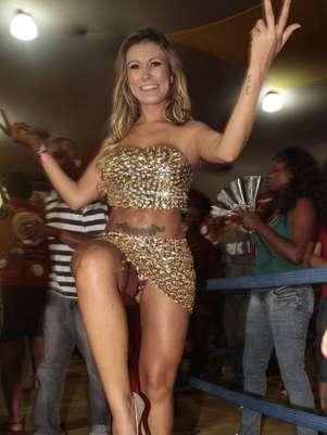 Andressa Urach se descuidou durante o ensaio Foto: Leo Franco / AgNews