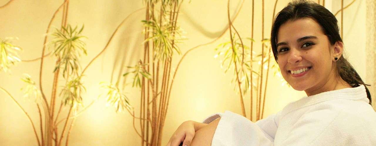 Terapia caseira de hidratação acelera e intensifica a nutrição dos pés, deixando-os lisos, macios e revigorados