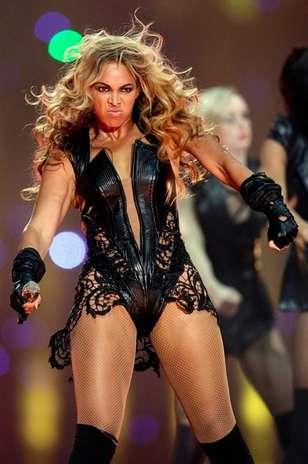 fotos de actuacion de Beyonce en SuperBowl