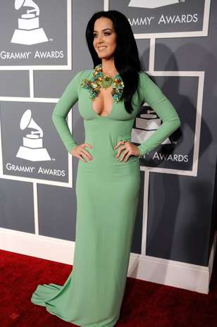 Katy Perry Grammys 2013 on Grammy Miley Cyrus Ensena Pechonalidad En Las Fiestas Del Grammy