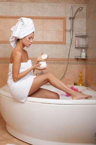 Мокрые полотенца в ванной