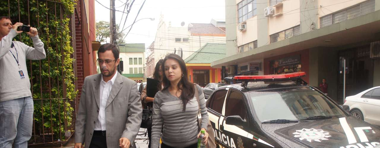 19 de março - Nathália Daronch, namorada de Elissandro Spohr, o Kiko, um dos sócios da Boate Kiss, depôs na 1ª DP