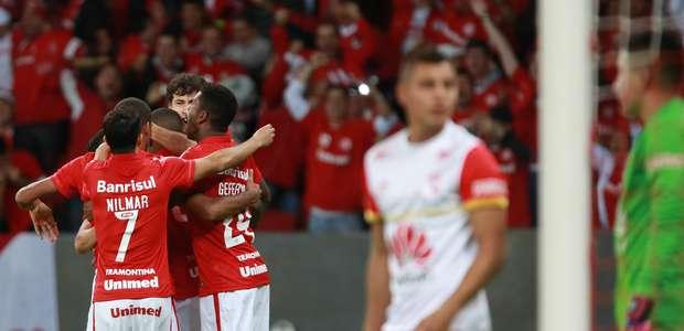 Força colorada! Inter vence Santa Fe em jogo pegado e avança