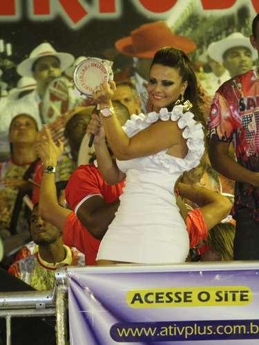 Viviane Araújo na quadra da Salgueiro