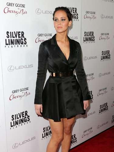 A atriz Jennifer Lawrence já revelou que é 'gordinha' para os padrões de Hollywood, mas foi eleita uma das mais bem vestidas de 2012 pela Us Weekly