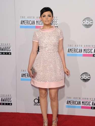 A atriz Ginnifer Goodwin é adepta de looks que misturam referências clássicas com toques modernos e aparece em lista das personalidades mais bem vestidas de 2012, feita pela revista
