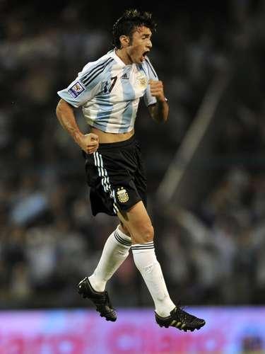 Depois de perder espaço no Internacional, o meia argentino Jesús Dátolo passou a ser especulado no Flamengo