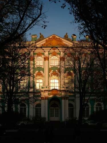 Passeios por museus, como o do Hermitage, não podem faltar no roteiro
