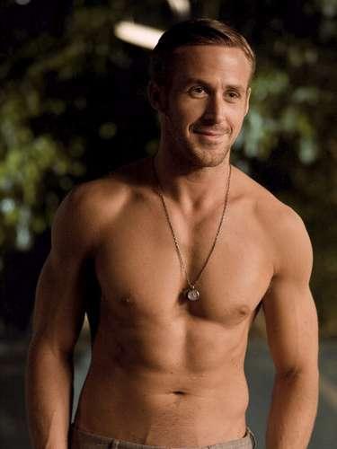 Além de academia, o canadense Ryan Gosling começou a fazer balé clássico em 2012 por diversão e complementa os treinos com thai boxing