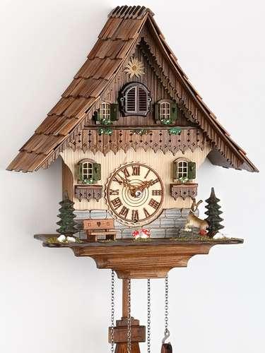 A loja relógios-cuco.com oferece diversos modelos de diferentes países. O site faz entrega no Brasil e os preços das peças variam a partir de R$ 33