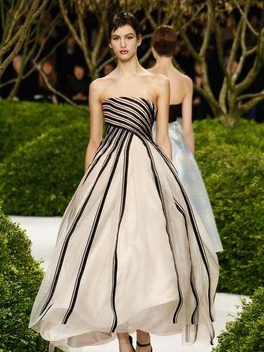 A grife Christian Dior foi um dos grandes destaques do primeiro dia da semana de alta-costura de Paris, nesta segunda-feira (21)