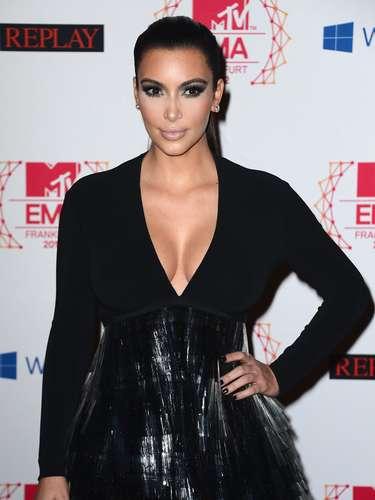 7ª: Kim Kardashian -socialite, ex-namorada do running back Reggie Bush e ex-mulher do jogador de basquete Kris Humphries