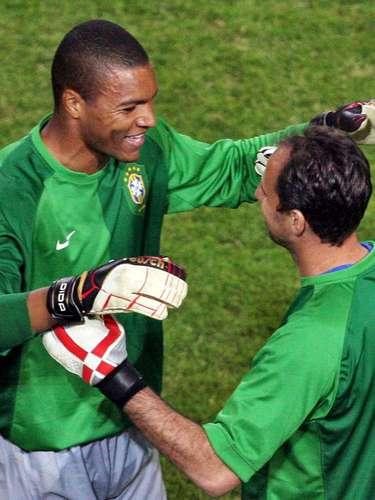 Participação na Copa do Mundo (2006) Rogério Ceni ganhou a chance de jogar alguns minutos de uma partida de Copa do Mundo em 2006. Carlos Alberto Parreira o colocou no lugar de Dida aos 36min do segundo tempo da vitória por 4 a 1 sobre o Japão, na primeira fase