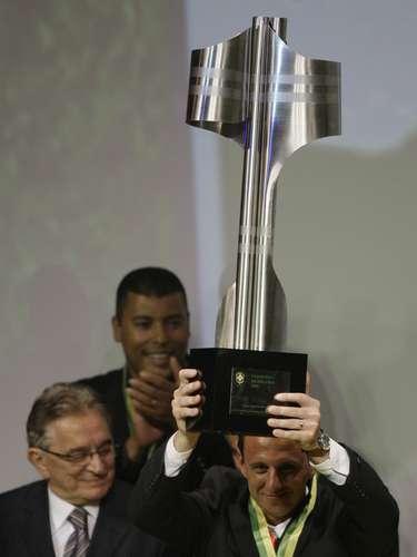 Craque do Campeonato Brasileiro (2008) Rogério foi eleito em 2008 o melhor jogador do Campeonato Brasileiro na tradicional Bola de Prata da revistaPlacar. Nos anos anteriores (2006 e 2007), ele já havia vencido o prêmio pela CBF