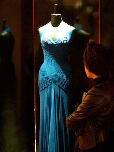 A obsessão do estilista é a morfologia do corpo feminino