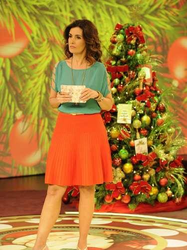 Apesar de preferir vestidos acinturados, saias não deixam de aparecer nas produções da apresentadora, segundo a figurinista Marina Alcântara