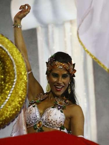 Ex-BBB Kelly foi um dos destaques da Tom Maior no Carnaval de SP