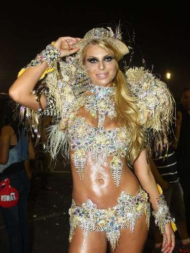 Modelo Caroline Bittencourt foi um dos destaques da Tucuruvi para 2013