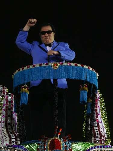 Com sósia de rapper Psy, Unidos de Vila Maria homenageia imigração sul-coreana no Carnaval de São Paulo
