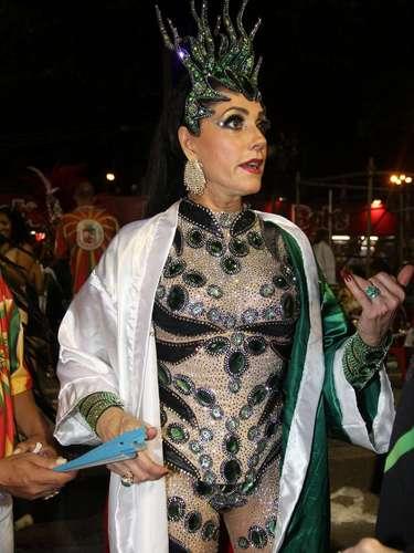 A atriz Christiane Torloni na concentração para o desfile da Grande Rio
