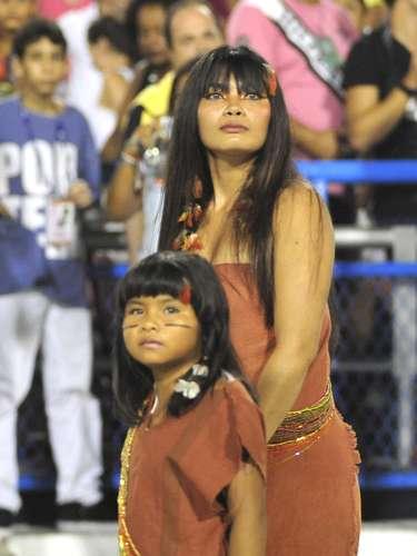 Oito vezes campeã do Carnaval carioca,a escola cantou em homenagem ao Estado do norte do Brasil:\