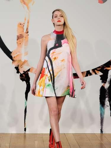 Os vestidos soltos mais largos também foram outro destaque da coleção da Jena.Theo