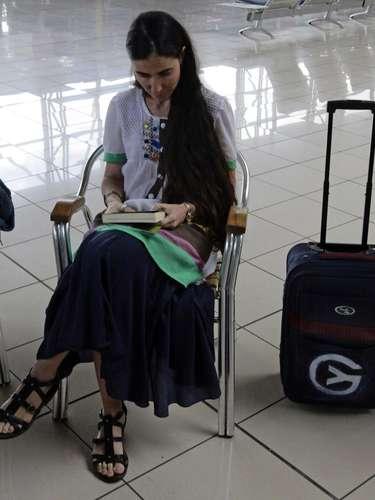 A blogueira cubana Yoani Sánchez confirmou neste sábado que viajará amanhã ao Brasil e comemorou em seu conta no Twitter o início de \