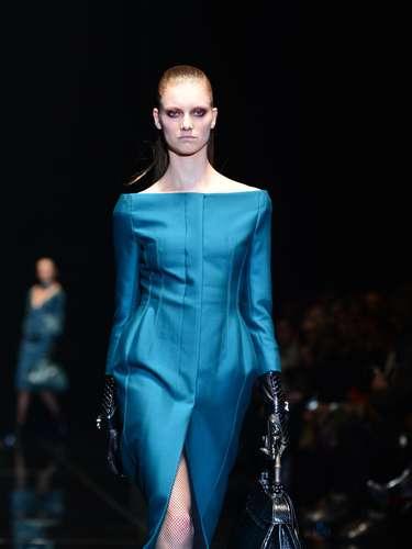 A Gucci apostou em cortes que valorizam as curvas das mulheres