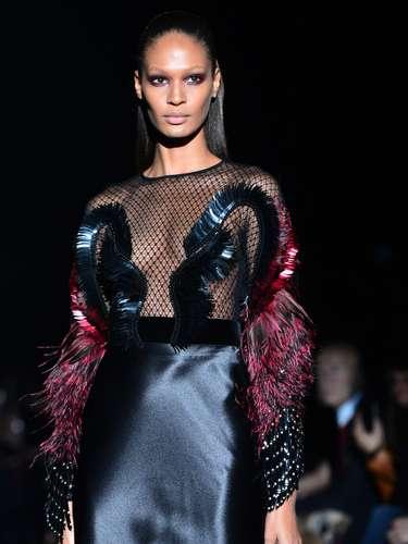 A grife se apresentou diante dos olhos atentos da atriz Salma Hayek e do seu marido, o empresário francês François-Henri Pinault, dono do conglomerado PPR, que detém, entre outras marcas, a própria Gucci